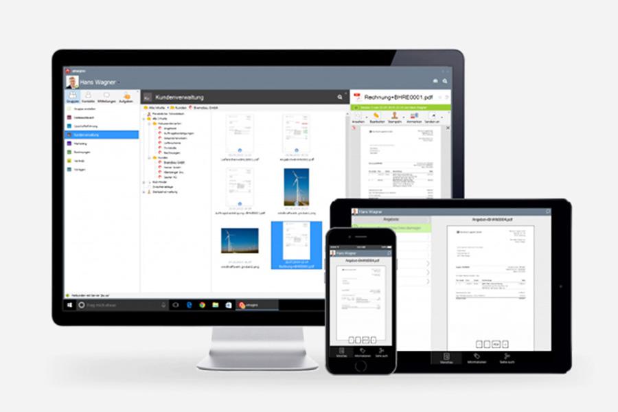 Monitor, Tablet und Smartphone rufen einen Digital Workspace auf
